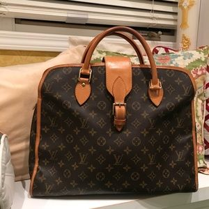 🍃🌹Authentic LV Rivoli 🌹🍃